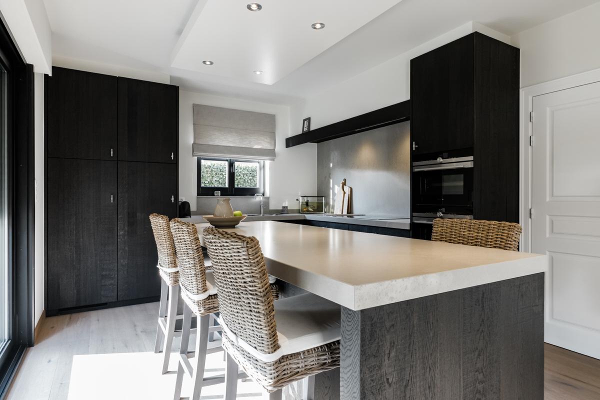 Interieur Strak Klassiek : Maatwerkkeukens van g design dat staat voor kwaliteit en vakwerk.